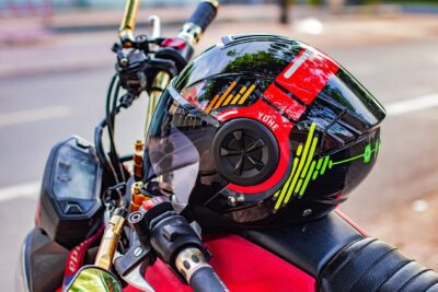 Motorcycle-Helmets-with-Bluetooth-and-GPS