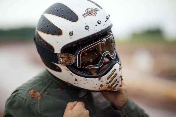 beginner-motorcycle-rider-mistakes